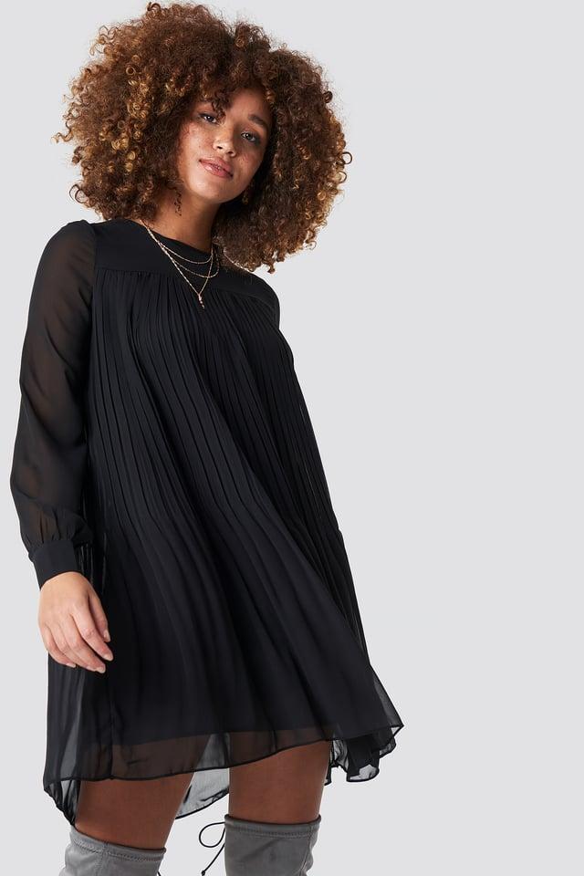Short Pleated Dress Black