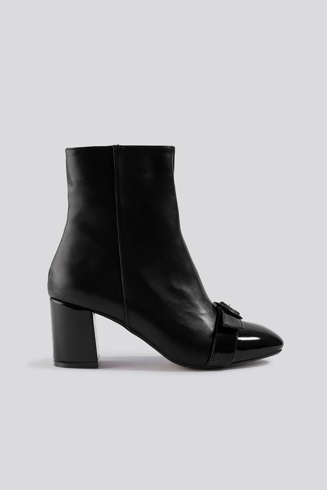 Ring Belt Detailed Boots Trendyol