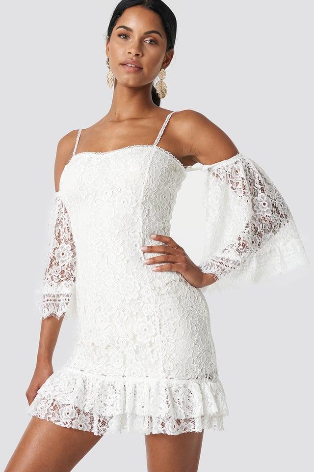 Ruffle Bottom Lace Dress Ecru