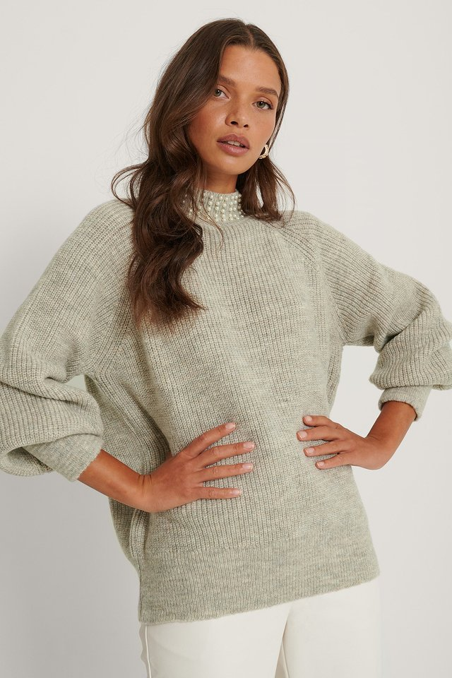 Stand Pearl Collar Sweater Gray