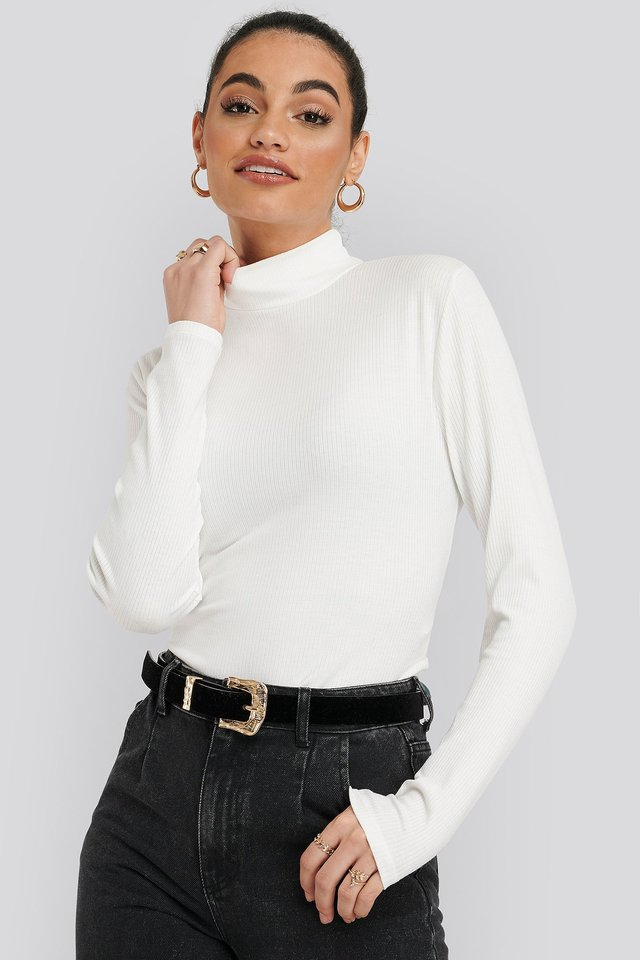 Vertical Neck Knitted Blouse Ecru