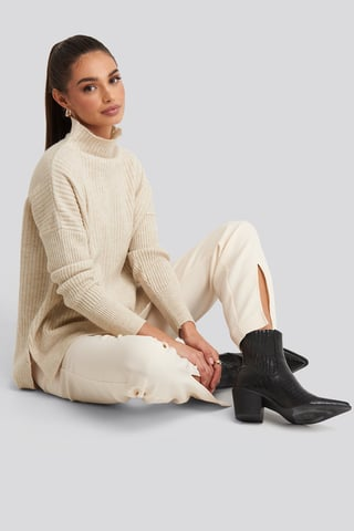 Ecru Vertical Neck Knitted Sweater