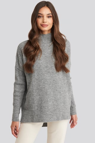 Gray Vertical Neck Knitted Sweater