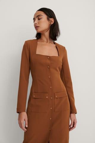 Brown Kjole Med Lommedetaljer Foran